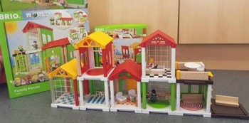 brio worlds family house review
