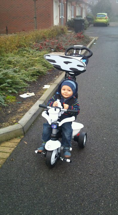 The Smart Trike recliner stroller comes complete with a reclining seat that features not only the back rest that reclines to ...  sc 1 st  Blog by Baby & The Smart Trike Recliner Stroller review with 16 month old Mark ... islam-shia.org